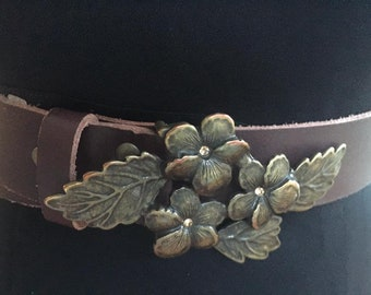 Vintage Leather Belt with Floral Metal Buckle Fastening Size M