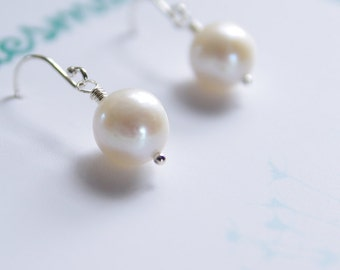 Pearl Earrings Bride Jewelry Cultured Freshwater Pearl Bridesmaid Gift Natural Pearl June Birthday Sterling Silver Simple Bride Earrings