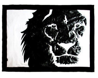 Black and white blanket with lion 90x125 cm
