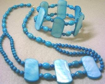 Ensemble de nacre de couleur bleu turquoise de collier de perles et de bijoux Bracelet, perles de Pierre Howlite bleue, ensemble de bijoux fait à la main