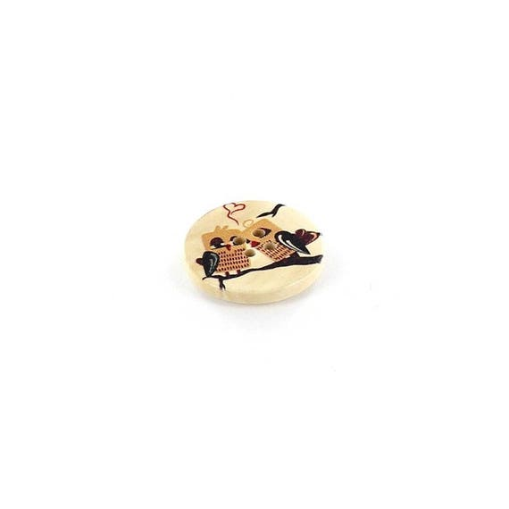 BBR30 - 2 buttons round 30 Mm wood with owls pattern