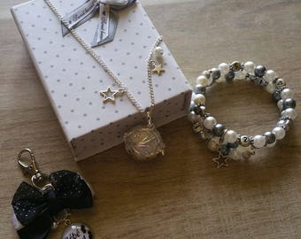 Set of jewelry for moms
