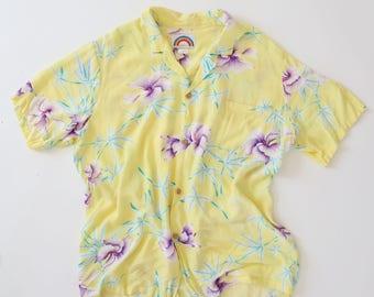 Vintage 80s Hawaiian shirt topical Yellow floral hibiscus dress shirt TOP M