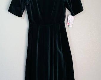Vintage 80's Velvet Gown by Laura Ashley, Hunter Green Velvet Gown, Size 30/32 Bust, #60808
