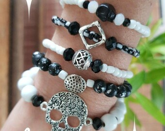 "Composition of 5 Bracelets ""Skull"" glass Miyuki beads white wood and Metal Tibetan"