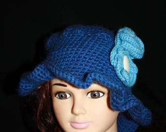 Hat with blue rim with flowers