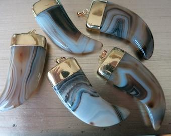 Agate Horn Tusk  Pendent BoHo Horn Pendent //Tusk Amulet pendent //Boho Necklace