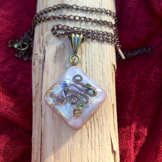 Astral Travel Orgone Energy Charm- Bismuth Vision Quest Orgone Necklace-Chakra Balancing Orgone Healing Pendant- Heart Song Orgone