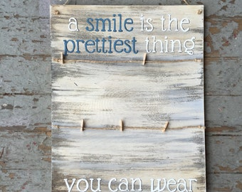 Hand Painted Picture Holder || A Smile Is The Prettiest Thing You Can Wear