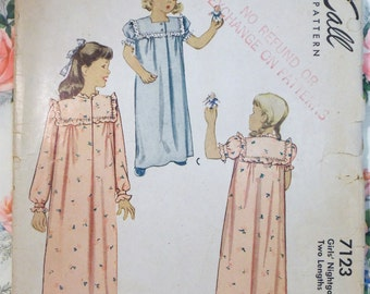 Vintage 1940s McCall 7123 Girls' NIGHGOWN pattern size 6 Complete