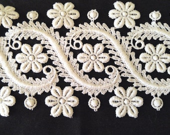 1 +Yd•4 Inch Wide White Scroll and Floral Venise Lace Trim• Wedding•Bridal•Scrapbooking•Jewelry•DIY•Quilting•Costume•Shabby Chic•Craft Lace
