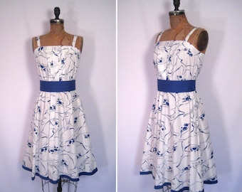 1970s navy and white floral print sundress • 70s blue and white flower print dress • vintage fit and flare summer dress
