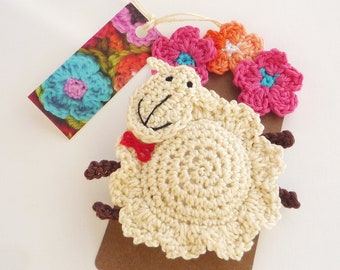 Crochet Sheep Ornament - Sheep Pin - Animal Ornament - Lamb Ornament - Farmhouse decor - Lamb Pin - Nursery decor - Gift for Kids