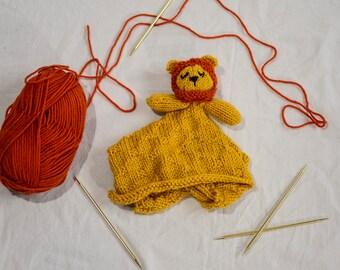 Knitted Lion Lovie