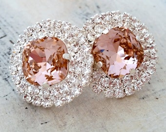 Blush earrings,Blush bridal earrings,blush pink stud earring,crystal stud earrings,Blush pink bridesmaids earrings,Swarovski earrings