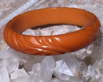 Carved Butterscotch Bakelite Bangle Bracelet, Deeply Carved Art Deco Swirl Carving Authentic Antique Bakelite