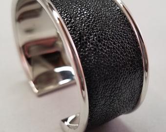 Stingray Cuff Bracelet - Black