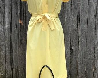 Adorable vintage belted dress