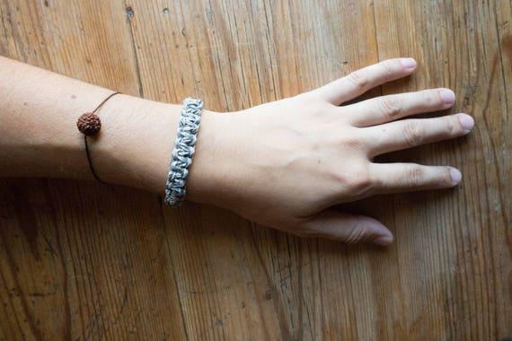 Basic men macrame bracelet