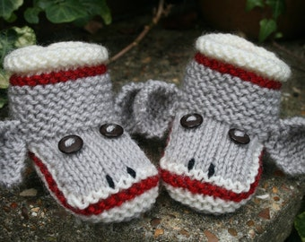 Sock Monkey Baby Booties, BABY KNITTING PATTERN in pdf, Monkey Booties, Instant Download Pattern, Baby Shower Gift, Photo Prop, Baby Socks