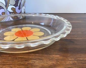 Agee/Crown Pyrex 'Daisy' Scalloped Edge Pie Plate Vintage Pyrex