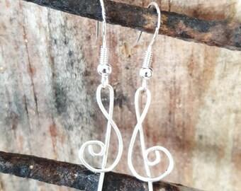 Treble clef earrings - Sterling silver