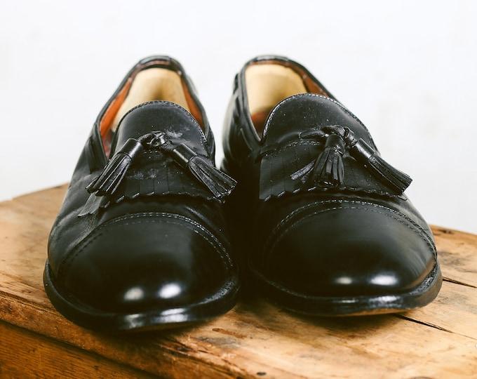1970s Mens Loafers . size Eur 41 . US men's 8 . UK 7 1/2 . Vintage Tassel Leather Shoes Black Oxfords Slip On Mens Shoes Boyfriend Gift