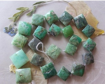 """ON SALE Chrysoprase Gemstone Faceted Puffed Diamond Beads ~ 14"""" Strand ~ 11mm-15mm"""