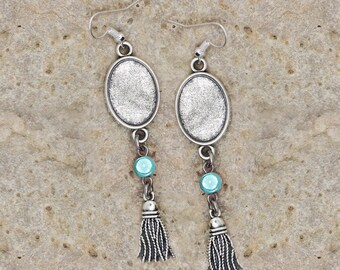 medium oval cabochon 13 X 18 mm silver color earrings