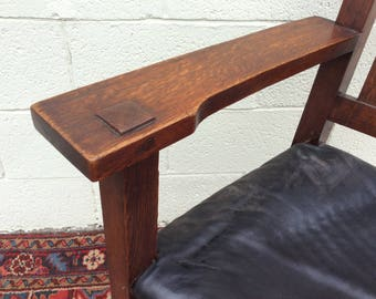 Gustav Stickley V Back Arm Chair Red Mark, original leather seat