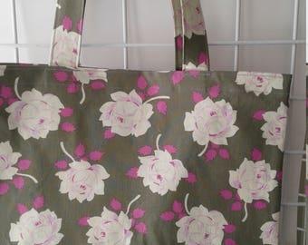 Pink Roses on Grey Market Tote Bag