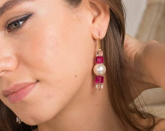 Golden earrings, freshwater pearls, swarovski, pink and white.