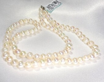"""Fresh Water Pearl Necklace 18"""" old new stock"""