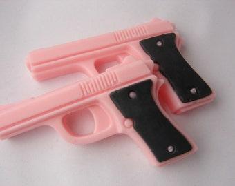 BANG BANG Set of 2 mini pistol soaps - Pink