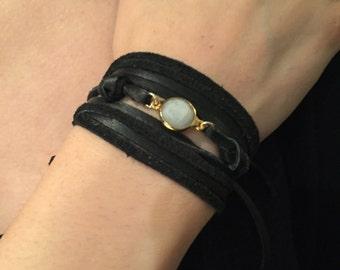 Moonstone leather wrap bracelet- Leather and moonstone bracelet