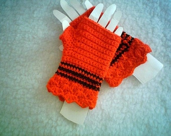 0017 Red Passion Fingerless Glove Pattern,Crochet Ladies Accessory Pattern,Winter Fashion for Hands by CarussDesignZ