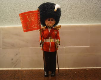Vintage Great Britian Buckingham Palace Guard Doll Souvenir