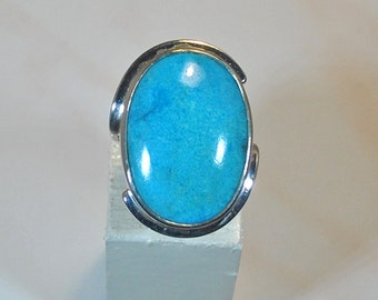 Sterling silver ring with Arizona turquoise