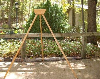 Stand for Triangle Loom