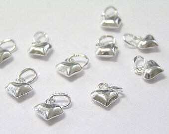 Pack of 50, 925 Sterling Silver 6mm x 5mm x 3mm puffed heart charm / drop [our ref: 11-0359]