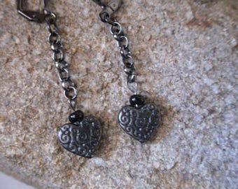 Heart Earrings gunmetal engraved arabesques