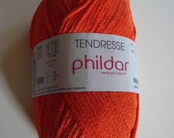 Pincushion 50g combed tenderness of Phildar - color Scarlet 101 - 4.5-5 needles