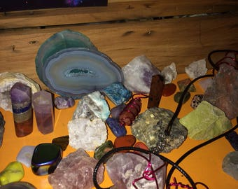 High quality wiccan/witchcraft Assorted gemstone lot box.