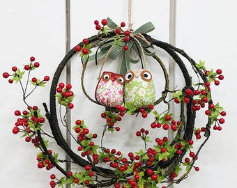 Owls wreath decorating the doors and walls beautifully / door hangers/wall decoration/home decor/Wreaths/Housewarming gift