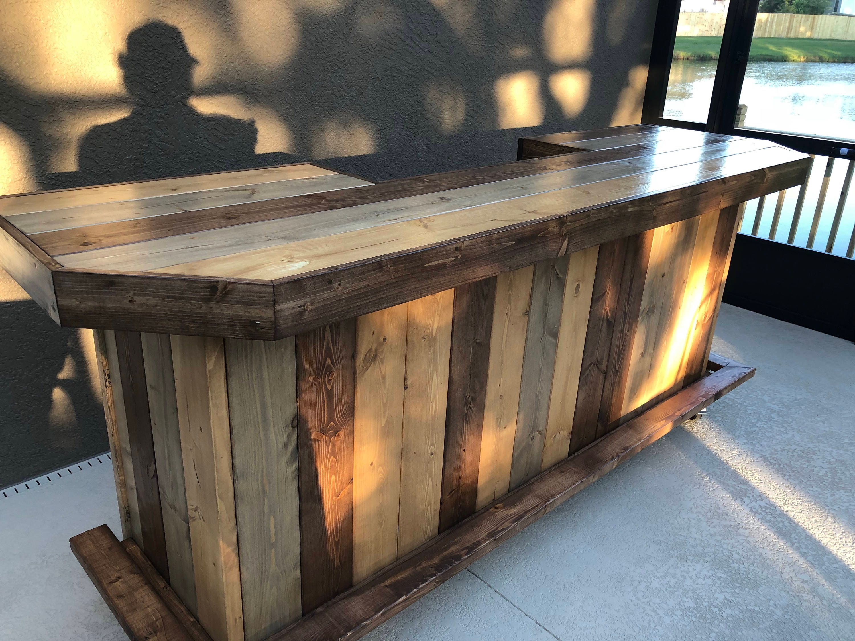 The Plank Top Maggie   8u0027 Rustic Finished Barnwood Or Pallet Style Bar,  Sales Counter Reception Desk