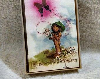 Cute Little Vintage Box Note Cards