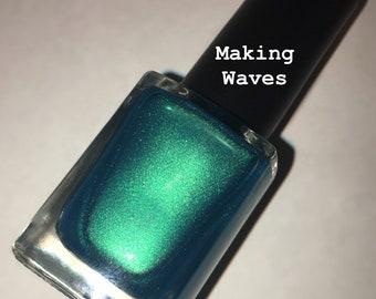 Making Waves nail lacquer
