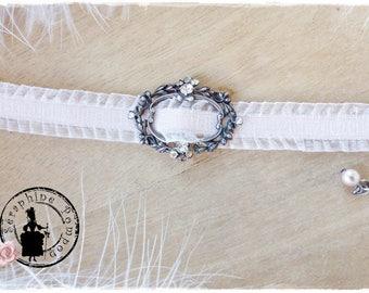 """""""Rétro-baroque"""", antique Locket and pink lace Ribbon Bracelet"""
