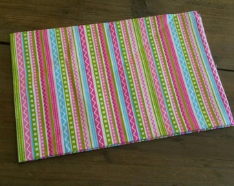 Graphic patchwork fabric pink background / 40 X 50 cm