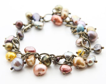 Antique Brass Waved Chain Bracelet with Assorted Colorful Freshwater Pearls (B73)